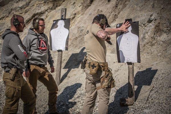 Waffe sowie pistole